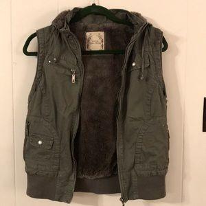 Furry Soft Lined Vest. Removable Hood. Size Large